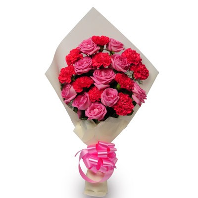 Bunch of 20  pink roses and carnations.