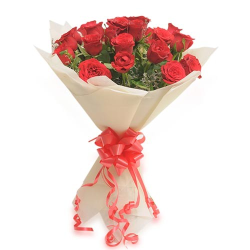 Bouquet of 20 red roses with fillers.
